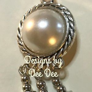 One Singularly Sensation Faux Pearl Necklace
